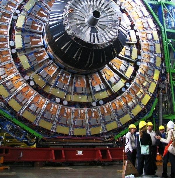 LHC sube su potencia y podrás ver el choque de partículas por Internet