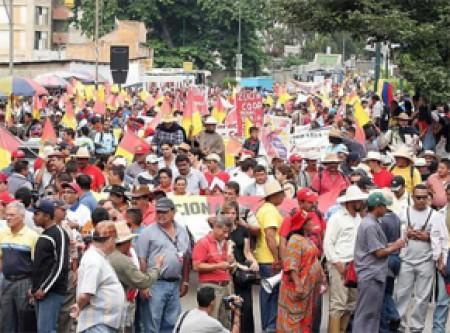 Campesinos e indígenas mexicanos demandan nuevo modelo económico, político y social