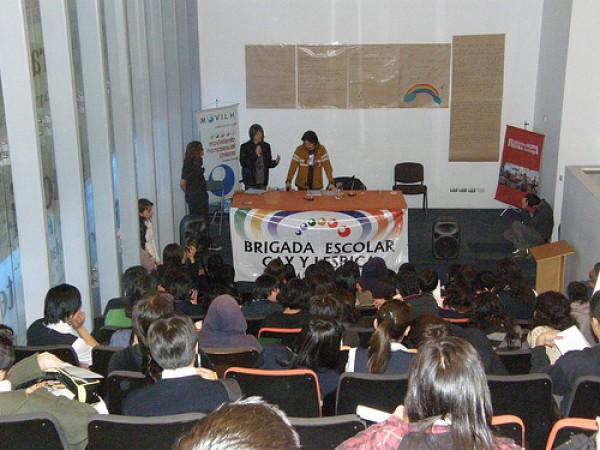 Más de 150 escolares en primer encuentro contra el bullying homofóbico y transfóbico