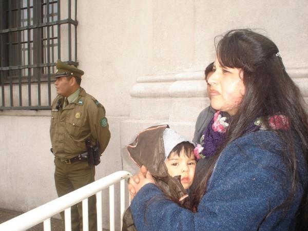 Vecinos desalojados en Panimávida exigen Ministro en Visita