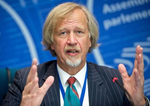 Wolfgang Wodarg, presidente de la Comisión de Salud del Consejo de Europa: «se ha vacunado a millones de personas con productos que presentan eventuales riesgos para su salud»
