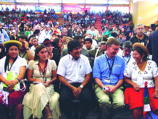 """Evo Morales: """"Defender los derechos de la Madre Tierra es defender los derechos humanos"""""""
