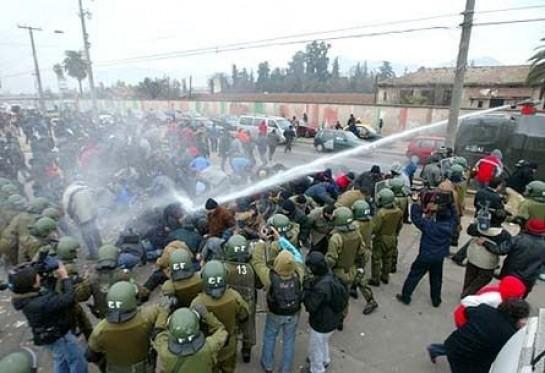 Pikete Jurídico invitó a reflexionar sobre la represión y criminalización de la protesta social