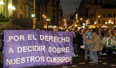 Mayoría de latinoamericanos serían favorables a debatir sobre el aborto