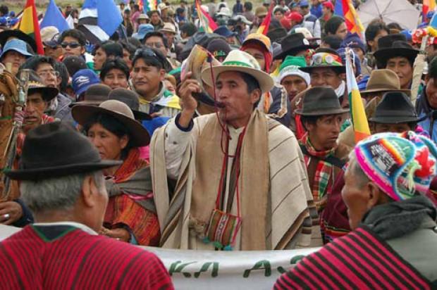 Bolivia legaliza la justicia indígena