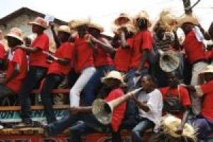 Campesinos haitianos forman barricada contra Monsanto