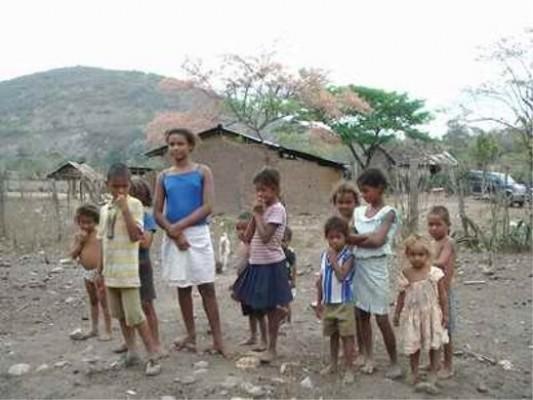 Casi 63% de los niños y adolescentes de Latinoamérica sufre algún tipo de pobreza
