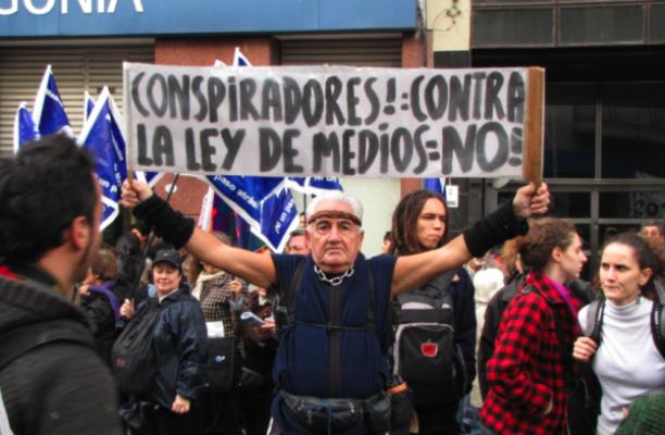 Organizaciones sociales argentinas celebraron la puesta en marcha de la Ley de Medios