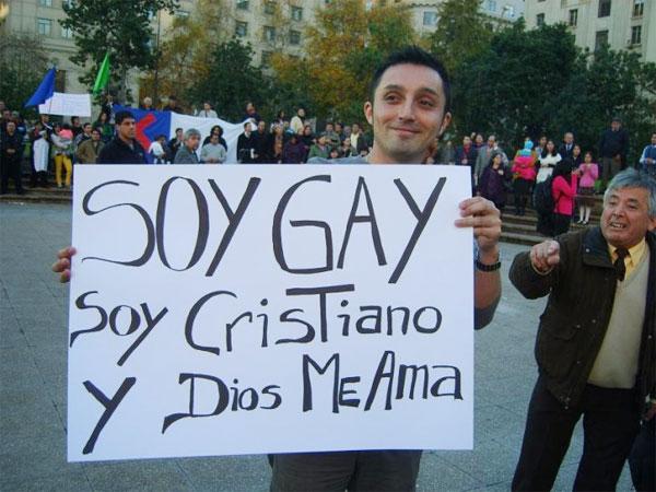 Mums se manifestó contra la discriminación ante protesta de organizaciones evangélicas