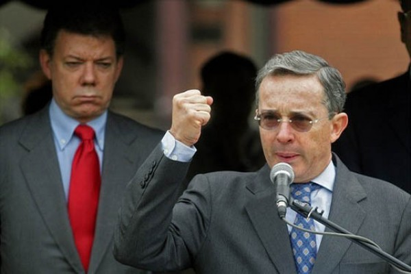 Uribe, empresarios, militares y clérigos, parte de una cadena criminal