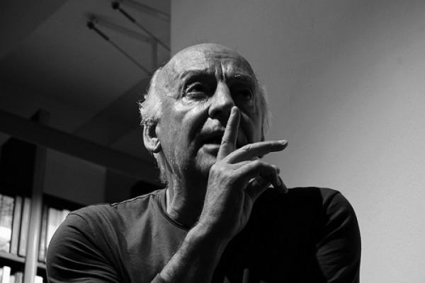 Galeano llama a terminar con la violencia en Colombia, nacida de la injusticia social