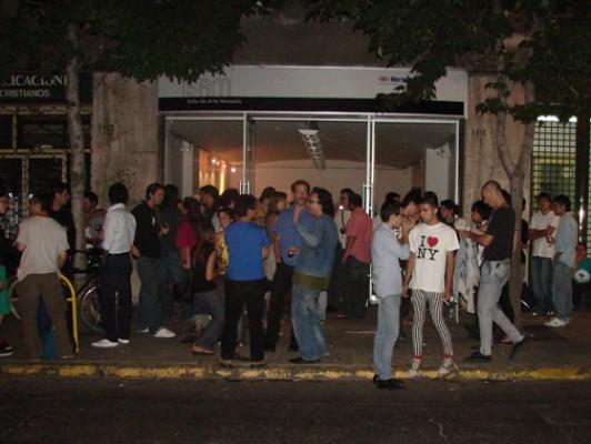 Artistas molestos con cierre de Sala Sam del Chileno Norteamericano