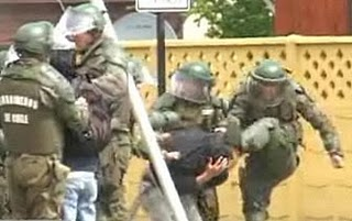 Alertan sobre abusos policiales y torturas en Chile