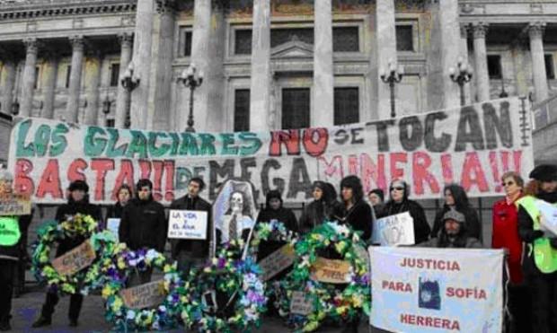 Argentina protege sus glaciares y limita actividad minera en Los Andes
