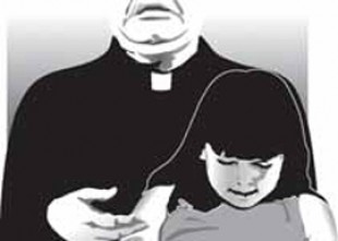 Víctima belga de cura pederasta: 'Después de violarme, el sacerdote me decía que debía rezar un 'Padre Nuestro»