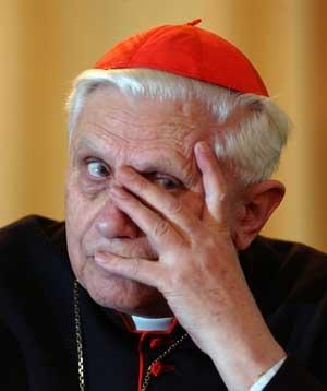 Ratzinger es invitado no deseado en España,  por encubrir casos de pedofilia