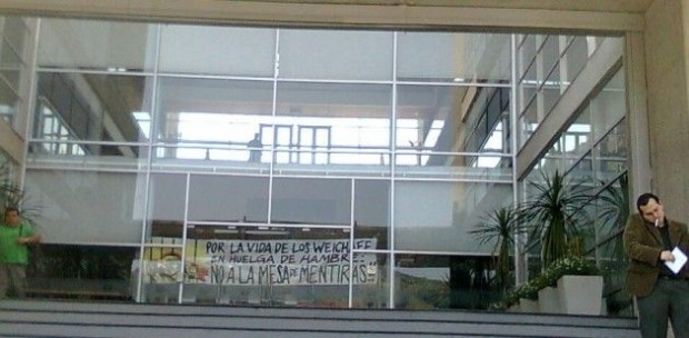 Familiares de comuneros mapuche en huelga de hambre se tomaron sede nacional de la OIT