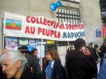 Manifestación contra Sebastián Piñera en su paso por París