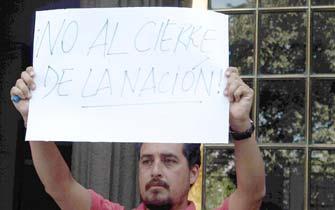 Protesta en rechazo al cierre de La Nación