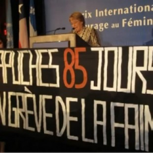 «Funaron» a ex-presidenta Michelle Bachelet en Montreal