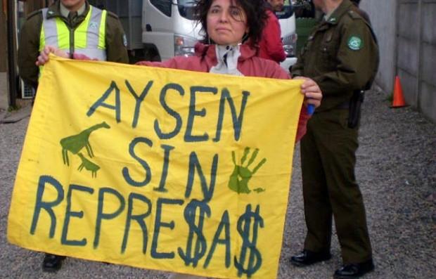 Ministro de Energía es cuestionado por su apoyo a Termoeléctrica Castilla e Hidroaysén
