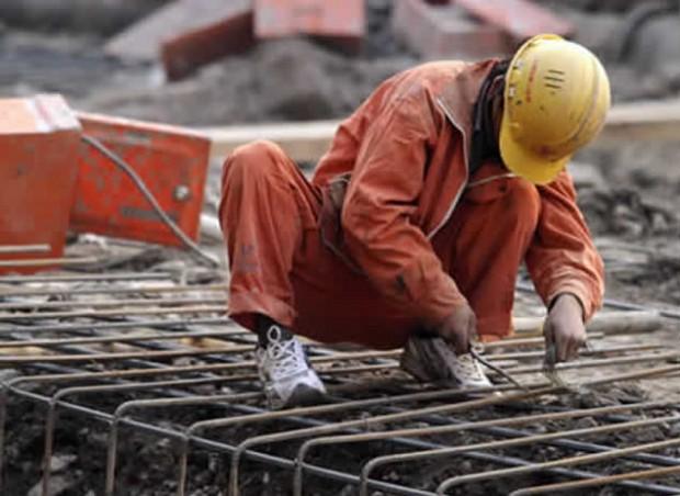 Tasa de desempleo disminuye pese a desaceleración económica