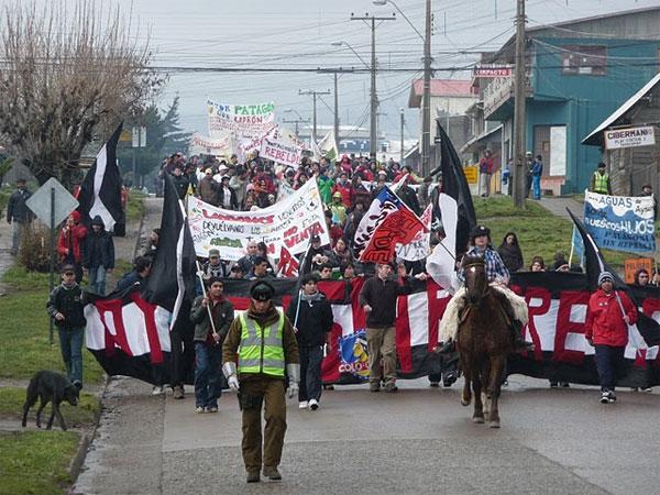 Siete regiones se unen en jornadas de manifestaciones en rechazo a represas en Aysén