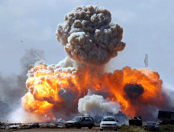 La escalada del ataque a Libia