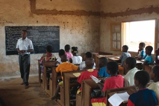 Seis días de gasto militar permitiría enviar a la escuela a todos los niños y niñas del mundo