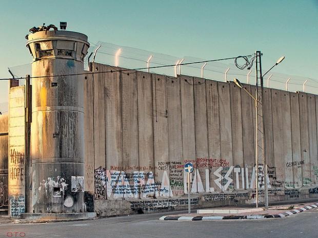 Ejército de Israel demuele estructuras en localidades palestinas