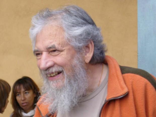 """Claudio Naranjo, psiquiatra: """"La clase política no está dispuesta a apostar por la educación"""""""
