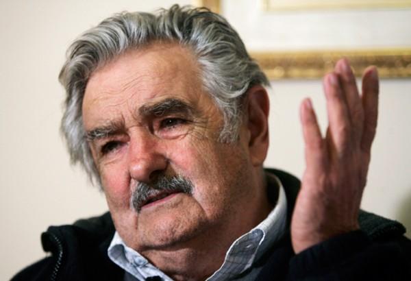 Mujica reconoce que es ateo