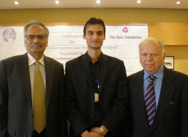Saif Khan responde a presunto informe de la CIA y expresa deseo de enjuiciar a Hinzpeter