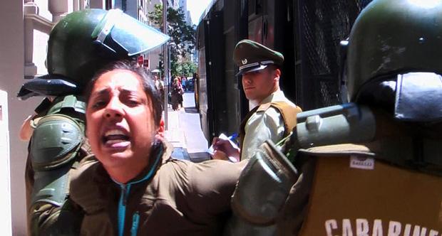 Pobladores de Maipú y Puente Alto ocuparon ministerios exigiendo soluciones de vivienda