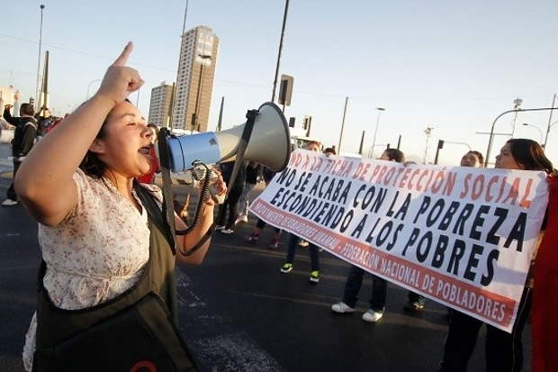 """Pobladores movilizados: """"La Ficha de Protección Social esconde la pobreza del pueblo chileno"""""""