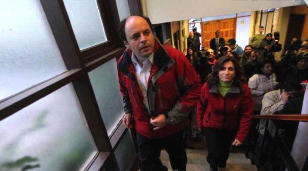 Renuncia de ex ministro Álvarez agudiza críticas de la Alianza al Gobierno