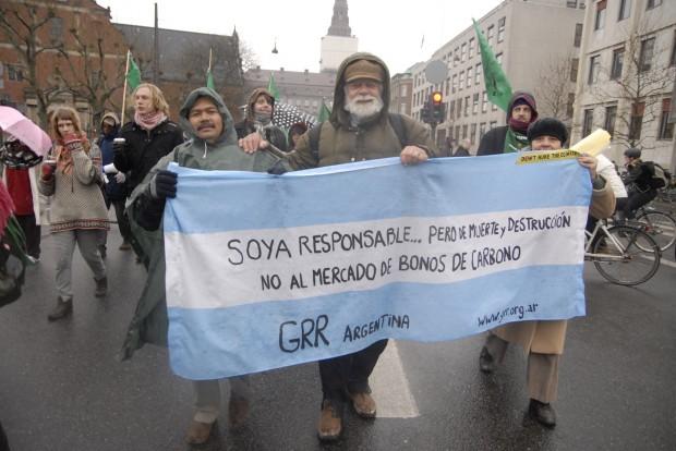 Jorge Rulli, autor de 'Pueblos Fumigados': «Argentina, república sojera, es un gran laboratorio de las corporaciones»