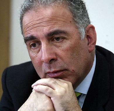 Subsecretario Galilea en la mira por polémica autorización para capturar lobos marinos