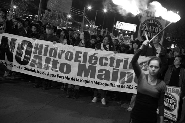 Protesta contra proyecto hidroeléctrico Alto Maipo reúne a diversas demandas sociales