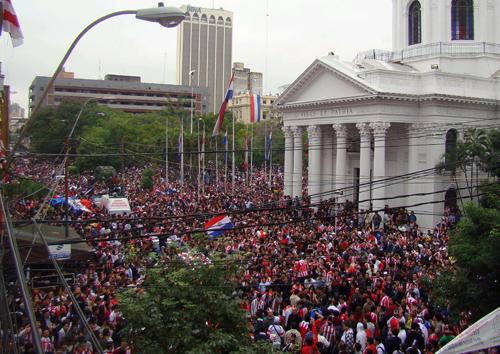 Paraguay: Llaman a defender la democracia ante inminente intento de Golpe