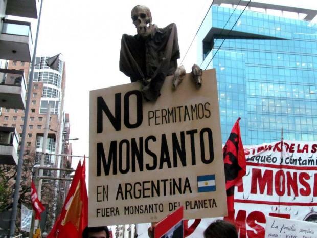 Multitudinaria marcha contra Monsanto en Argentina