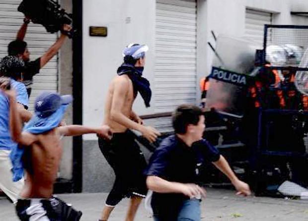 """José Garriga, antropólogo: """"La pobreza explica la violencia en el fútbol"""""""