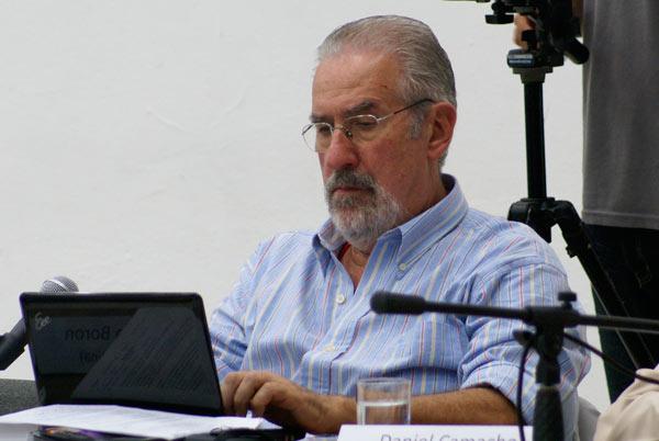 """Atilio Borón: """"Políticos deben leer correctamente lo que dice la calle"""""""