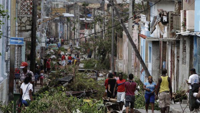 Cubanos comienzan recuperación de huracán Sandy con apoyo internacional