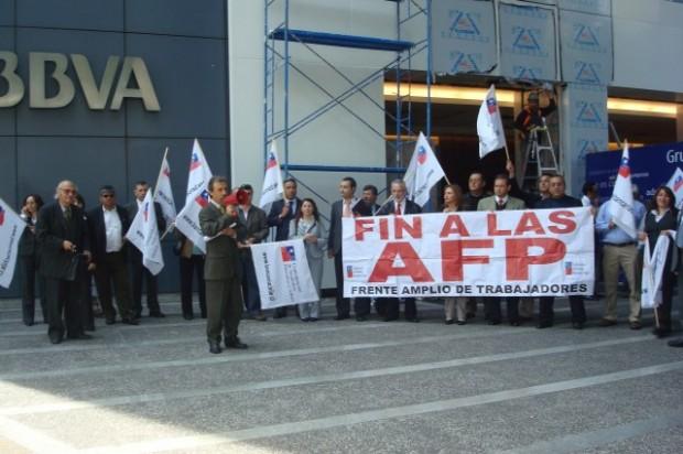 Comando en defensa de los fondos de AFPs rechaza propuesta del Gobierno