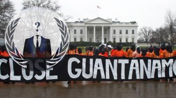(VIDEO) Anonymous anuncia campaña global contra prisión de Guantánamo