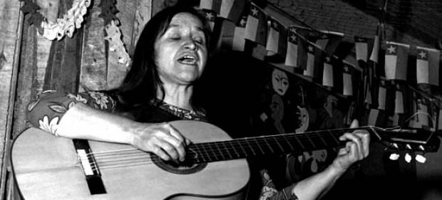 Santiago: Presentan libro «Violeta Parra en el Wallmapu: su encuentro con el canto mapuche»