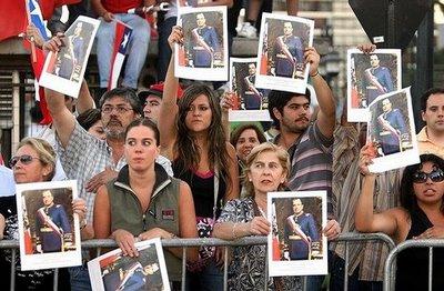Editorial: «Despinochetizar» los espacios públicos para los chilenos