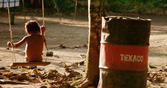 Defensa de afectados ecuatorianos por contaminación de Chevron prepara apelación tras fallo