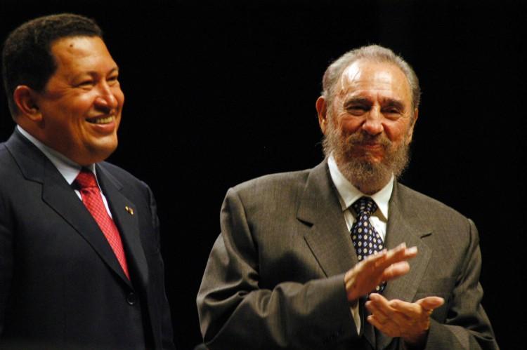Revelan conversación inédita entre Chávez y Fidel